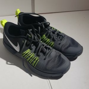 Nike Air Max Effort TR Cross Training Shoes